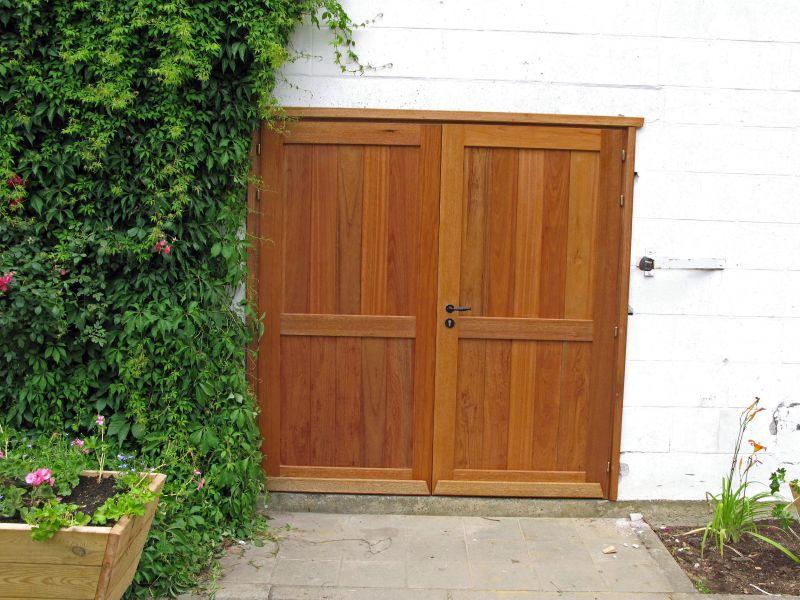 Menuiserie ext rieure portes ext rieures le bois m tier for Porte bois exterieur jardin